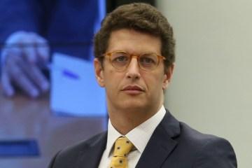 Por inexperiência, Justiça suspende nomeação de Salles
