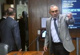 Você é ladrão, diz senador a Romero Jucá – VEJA VÍDEO