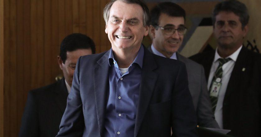 uuuu 5 840x440 - PESQUISA IBOPE: popularidade de Bolsonaro cai e rejeição aumenta, mostram números
