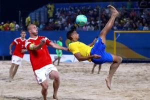 2019 10 16t180644z 178759290 rc1ca1e4ae20 rtrmadp 3 beach soccer 300x200 - Brasil tem dia dourado nos Jogos Mundiais de Praia