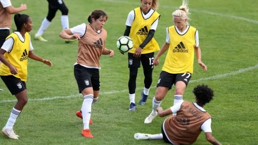 26158235 300x169 - FIFA investe 449 milhões de euros para desenvolver o futebol feminino