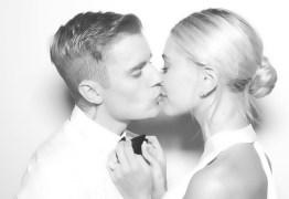 Justin Bieber compartilha primeira foto de casamento com Hailey Baldwin