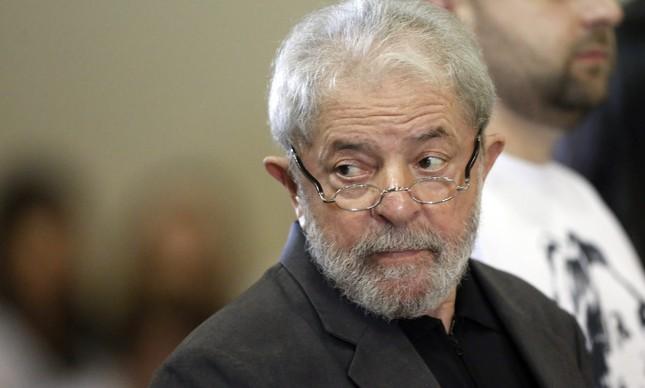64809149 pa sao bernardo do campo sp 09 02 2017 missa de setimo dia de marisa leticia cerimonia - Lula pode receber o título de 'cidadão honorário de Paris'