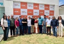 Genival Matias reúne prefeitos de base em encontro com Veneziano e garante investimentos para os municípios