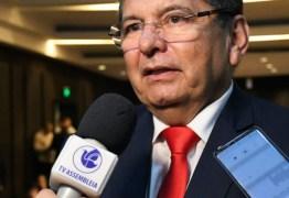 R$ 17 MILHÕES EM CAIXA: Adriano Galdino rebate nota de Gervásio Maia e defende legado na ALPB