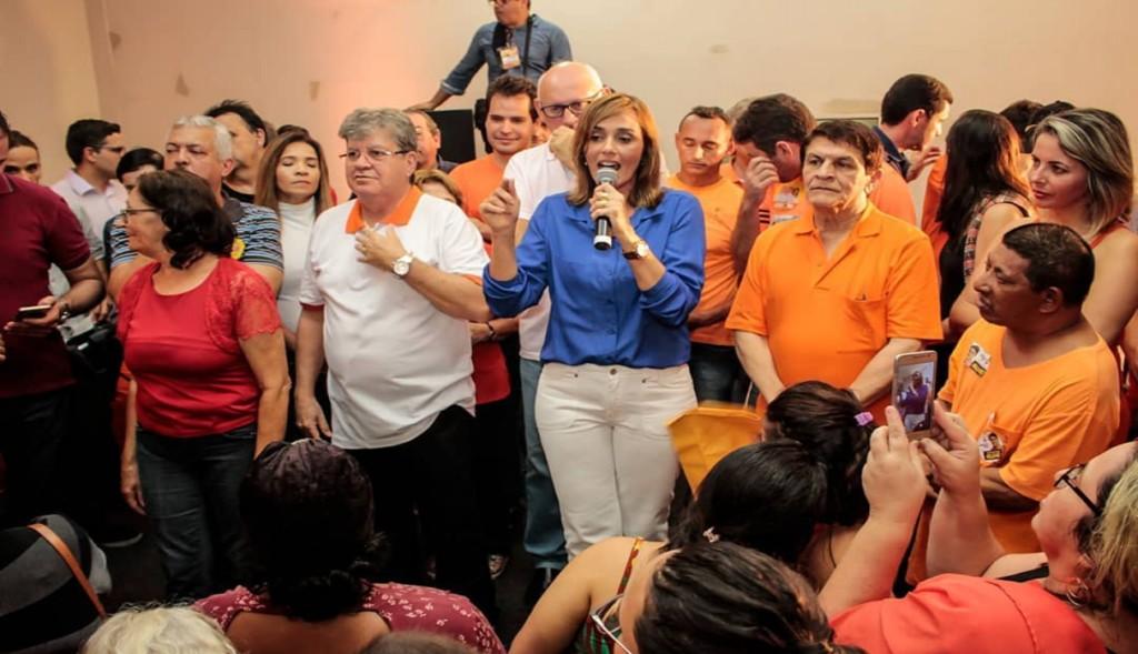 AnaCláudia 1024x589 - Pré-candidata, Ana Cláudia Vital, afirma que Campina Garnde 'precisa de renovação'