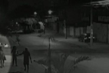 Capturar 34 - Mulher é vítima de estupro coletivo após passar mal na rua
