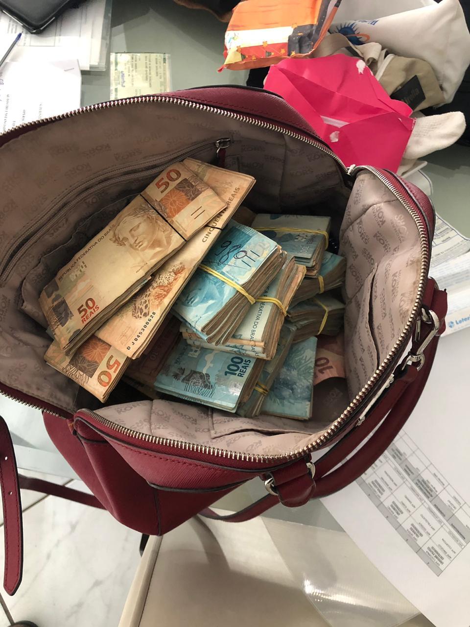 WhatsApp Image 2019 10 08 at 07.15.24 - XEQUE-MATE EM AÇÃO: PF apreende lotes de dinheiro e cumpre mandado na casa do ex-deputado André Amaral