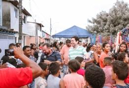 Deputado Felipe Leitão comemora dia das crianças nas comunidades do município de Cabedelo