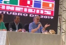 FESTIVAL LITERÁRIO: em crítica política, Sérgio Abranches diz que sociedade vive 'o último suspiro do dinossauro'; VEJA VÍDEO