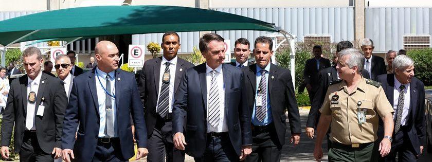 bolsonaro no GSI e1570997911725 - TIRO, FACADA E BOMBA: saiba como são treinados os agentes que fazem a segurança do presidente Bolsoanro