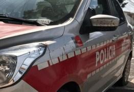 Professor tem carro roubado a caminho da aula em Campina Grande