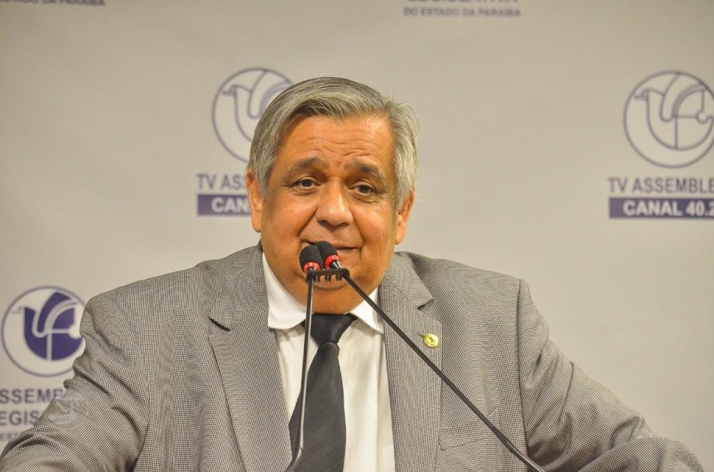 edmilson soares1510 - Deputado Edmilson Soares cobra do governo maior atenção aos professores do Estado