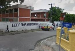 Após briga com namorada, homem derruba portão de escola e ameaça funcionários – VEJA VÍDEO