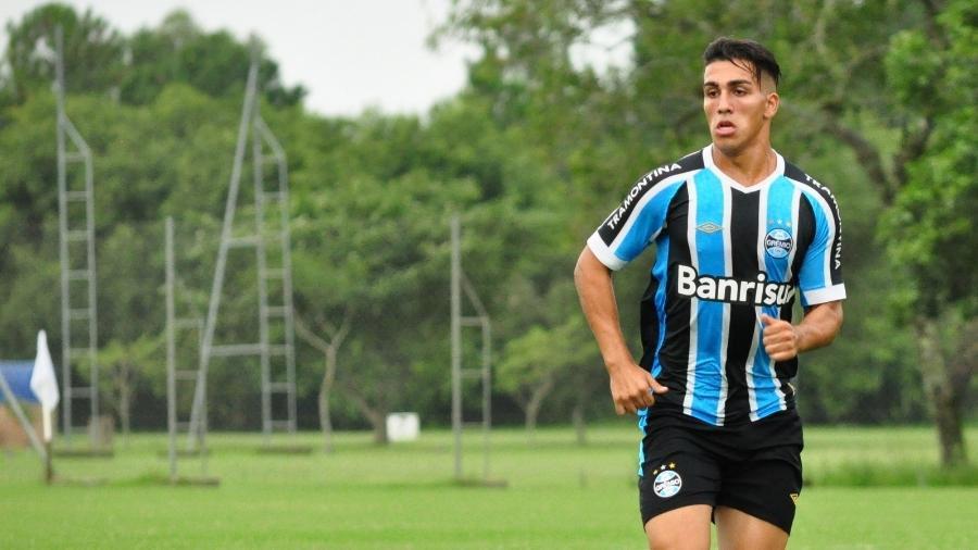 ezequiel esperon volante durante passagem pelo gremio 1570411799083 v2 900x506 - LUTO NO ESPORTE: ex-jogador do Grêmio morre ao cair de prédio