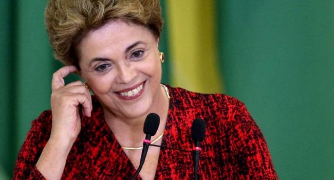 financial times dilma rousseff lista mulheres ano - 'GASTOS EXTRAVAGANTES': Dilma comprava cachaça, codorna desossada e camarão rosa com cartão corporativo, diz site