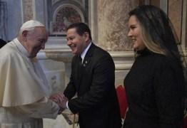SAÍDA DIPLOMÁTICA: Mourão compartilha anedota de encontro com o Papa Francisco em Roma