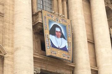 irmã dulce - Dez mil brasileiros participam da canonização da Irmã Dulce