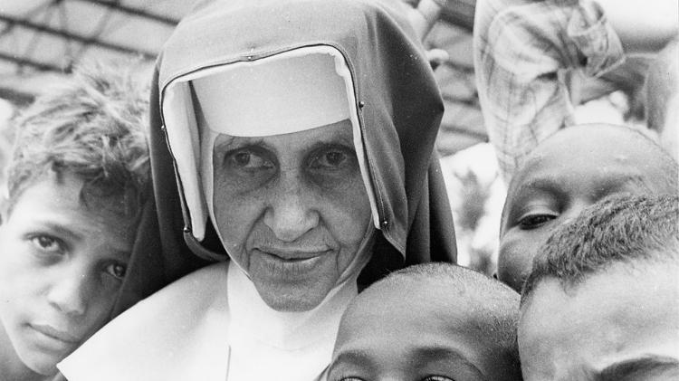 irma dulce 1557836425830 v2 750x421 - CANONIZAÇÃO: Santa de todos os credos, Irmã Dulce sincretiza a fé dos baianos
