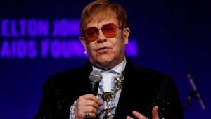 naom 5c2b7a3d98937 300x169 - Elton John chama Madonna de 'nojenta e desagradável'