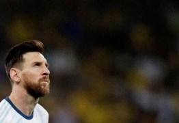 Messi diz que cogitou deixar Barça por problema fiscal