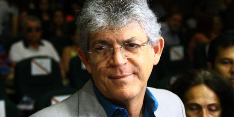 """ricardo coutinho - Ricardo Coutinho critica exonerações de gerentes de ensino do Estado: """"A gestão perde qualidade"""""""