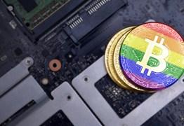 Homem processa Apple e diz que 'virou gay' após uso de aplicativo do iPhone