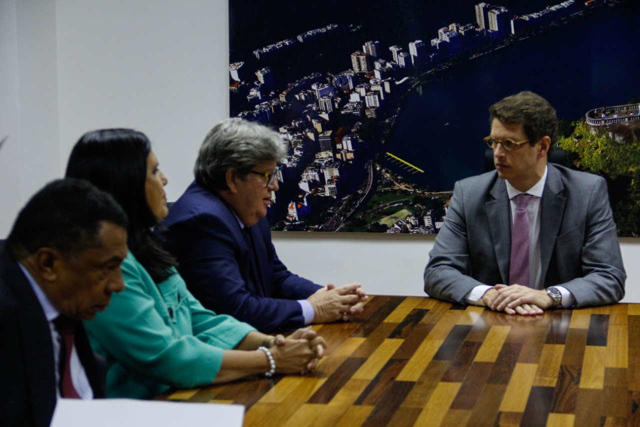 unnamed 1 2 - João Azevêdo se reúne com ministro do Meio Ambiente e cobra providências sobre manchas de óleo
