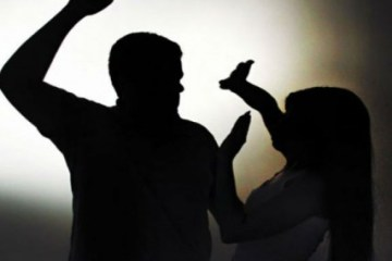 violencia 427x320 - Acusado de agredir companheira com barra de ferro é condenado por violência doméstica