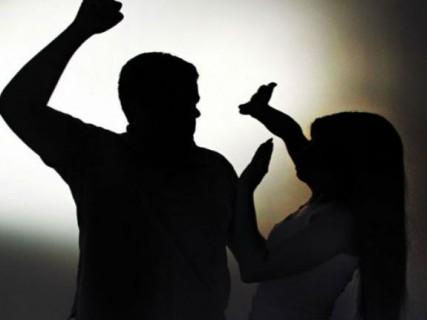 violencia 427x320 - Jovem de 24 anos é morta a facadas na frente do filho