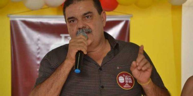 whatsapp image 2019 10 10 at 1946563 620x310 - Homem acusado de tentar matar prefeito de Curral de Cima diz ser vítima de armação