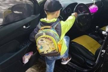 Mãe filma filho de seis anos dirigindo carro a 130km/h: 'Ninguém pode me julgar'