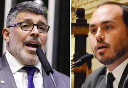'Carlos Bolsonaro é um problemático cheio de delírios, um babaca iludido', diz deputado Alexandre Frota