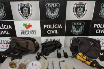 20191119 060453 - Dupla é presa suspeita de desmanche e clonagem de veículos em Campina Grande