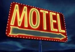 Casal vai a motel, sai sem pagar e furta TV do quarto