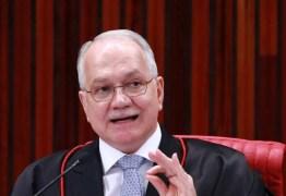 Fachin bloqueia R$ 1,1 milhão de Collor em investigação de irregularidades em licença de porto no Paraná