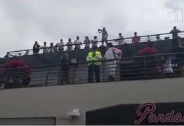 Torcedores do River Plate imitam macacos para flamenguistas em Lima – VEJA VÍDEO