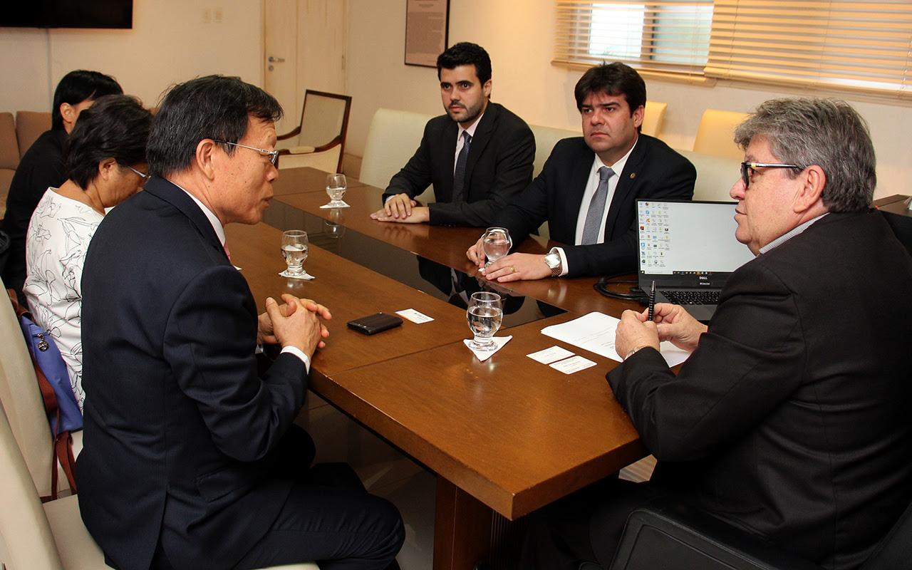 Azevêdo twain - João Azevêdo se reúne com embaixador de Taiwan e apresenta potenciaisturísticos, energéticos e econômicos da Paraíba