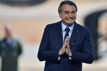 Bolsonaro animado - Bolsonaro envia ao Congresso projeto que isenta militares de punição em operações