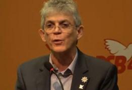 Em evento do PSB, Ricardo critica comportamento de Lula após sair da prisão