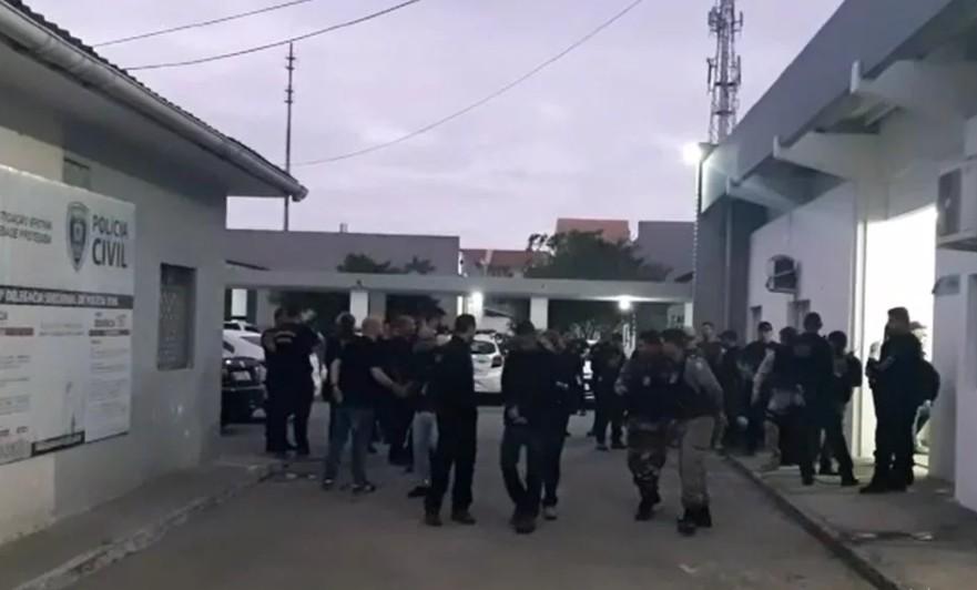 Capturar 18 - OPERAÇÃO ZONA LESTE: Polícia cumpre 12 mandados contra investigados por tráfico de drogas em CG - VEJA VÍDEO