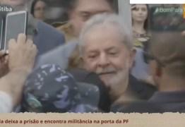 ACOMPANHE AO VIVO: Lula deixa prisão e fala com correligionários