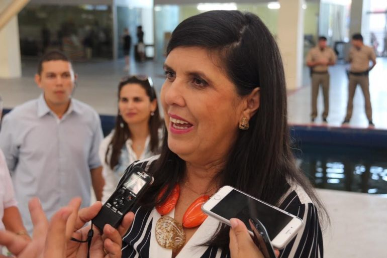 Lígia Feliciano - Vice-governadora se pronuncia sobre as vaias em Campina Grande