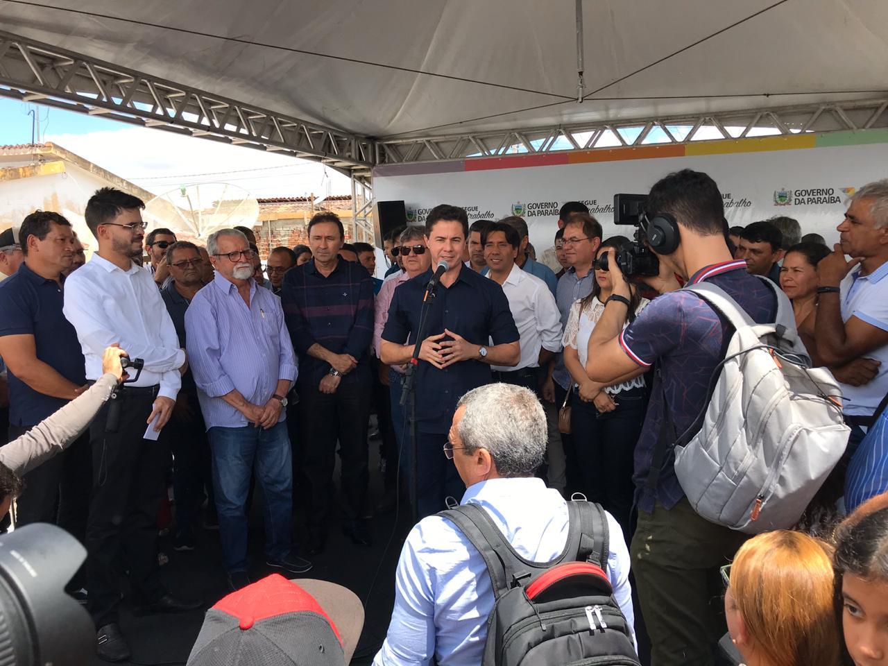 WhatsApp Image 2019 11 09 at 10.08.03 1 - Veneziano participa de entrega de obras em Cacimba de Dentro e destaca qualidades do governo João Azevêdo