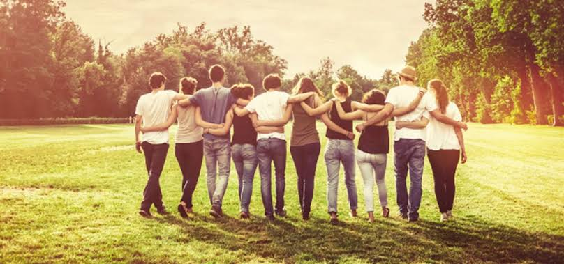 amigos - AMIGOS ATIVOS E PASSIVOS: o que os distingue e como cultivar cada amizade? - Por Silvia Carpallo