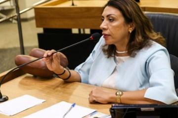 cida ramos - NINJA NA REDE: internautas colocam em xeque lei de Cida que assegura gratuidade em concursos públicos para beneficiários do Bolsa Família