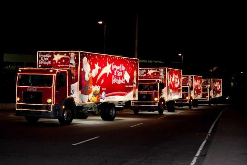 ddddd26 800x535 - DESFILES ILUMINADOS: Caravana de Natal da Coca-cola passa por João Pessoa nesta quarta-feira