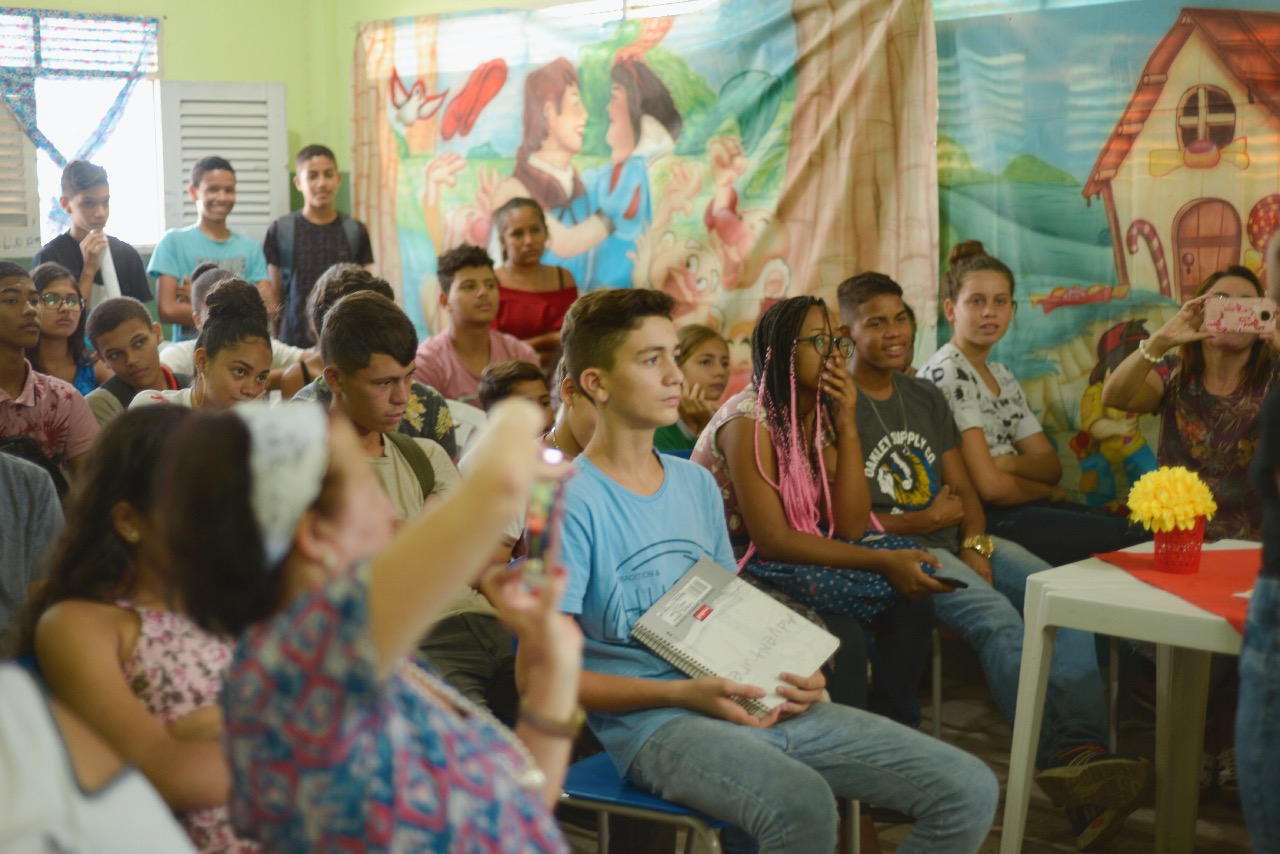 Prefeitura de Bayeux prestigia projeto de leitura e escrita na Escola Municipal Dom Hélder Câmara - Polêmica Paraíba