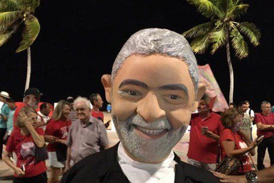 ei4tt3bxkaa lek - LULA LIVRE: militantes paraibanos comemoram soltura do ex-presidente na Orla da Capital