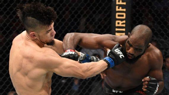 i - UFC: Johnny Walker é massacrado por Corey Anderson e tem empolgação interrompida